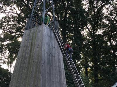 bevers-overvliegen-klimmen-scouting-almelo-hjbllanos