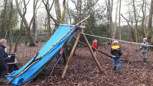 Bevers-scouting-almelo-hjbllanos-hut-bouwen