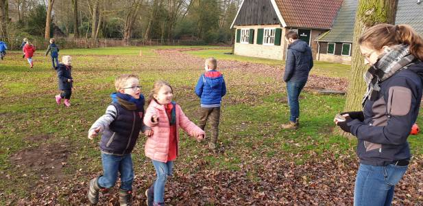 Bevers-sport-spel-buiten-spelen-hjbllanos-scouting-almelo