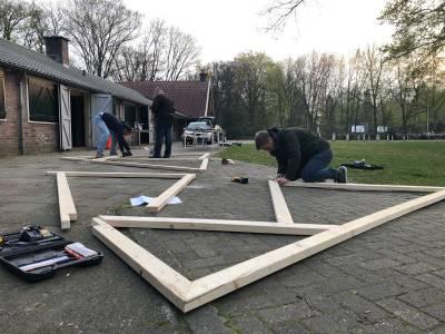 Hjbllanos-plaggenhut-bouwen-historisch-festival