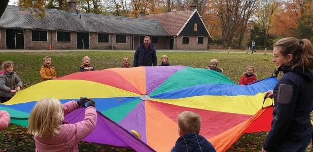 Parachute-bal-bevers-scouting-almelo-hjbllanos