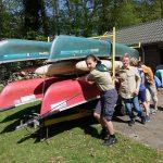 Kanovaren met de scouts